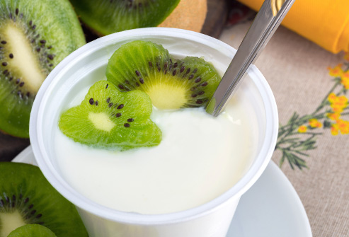 493ss_thinkstock_rf_yogurt_cup_and_kiwi_fruit